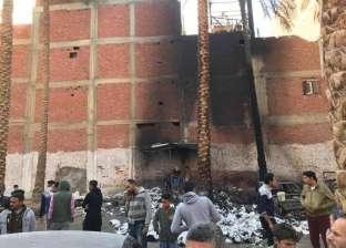 """حريق هائل في ورش بعزبة """"أبو رية"""" بدمياط.. ومصدر: الخسائر 3 ملايين جنيه"""