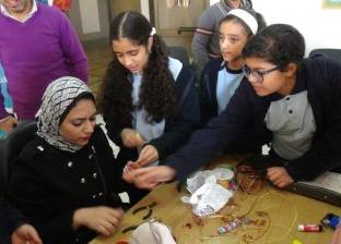 أعمال نحاس يدوية في ورشة بجامعة المنيا