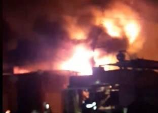 5 سيارات إطفاء للسيطرة على حريق بمحل أجهزة كهربائية بكفر صقر