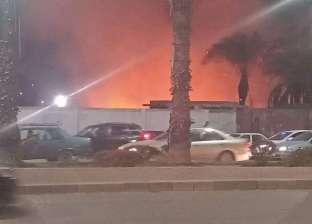 السيطرة على حريق شب في قطعة أرض فضاء بالطالبية