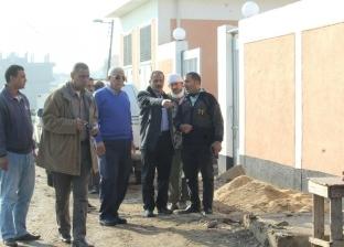 بالصور| رئيس مدينة دسوق يتفقد سير العمل بالمدارس ومشروعات الصرف الصحي