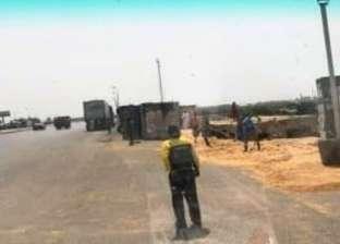 مصرع سائق في انقلاب سيارة نقل بمقطورة بطريق الإسكندرية الصحراوي
