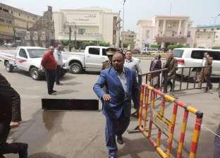 مدير أمن الغربية يطالب مساعديه بإزالة الإشغالات من شوارع المحلة وطنطا
