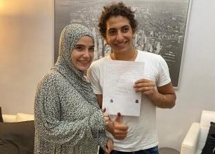بدأت بعيد ميلاد وانتهت بالزواج.. محترف مصري يروي كواليس اعتناق زوجته للإسلام