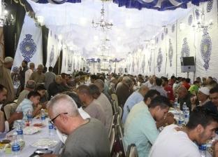 موسى مصطفى موسى يشارك في إفطار جماعي ببنها