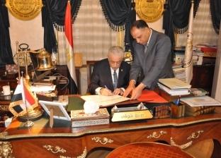 وزير التعليم يعتمد جداول امتحانات الدور الثاني لشهادة إتمام الثانوية
