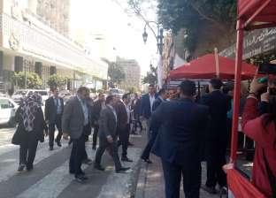 مدير المباحث الجنائية يتفقد مقرات الاستفتاء في قصر النيل