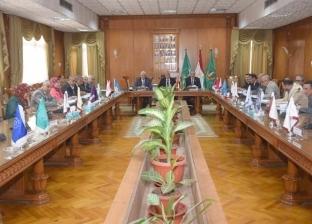رئيس جامعة المنوفية يعقد جلسة اللجنة الشهرية للمنشآت
