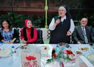 مائدة إفطار مدارس الراهبات تجمع المسلمين والأقباط