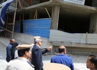 محافظ قنا يتفقد مشروعات مياه الشرب والصرف الصحي بمدينة دشنا