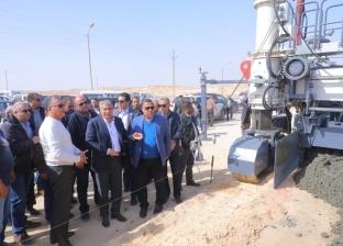 وزير النقل يتفقد أعمال تطوير طريق «القاهرة - أسيوط» الصحراوي