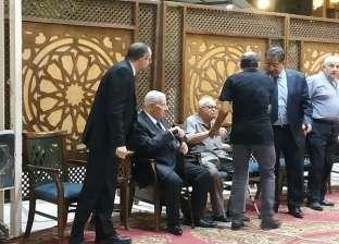 """""""الزناتي"""" و""""حسن"""" يعزيان مكرم محمد أحمد في وفاة شقيقته"""