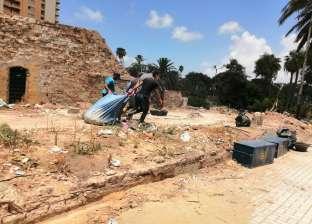 """""""آثار الإسكندرية"""" تدشن حملة نظافة موسعة لتطهير محيط طابية النحاسين"""