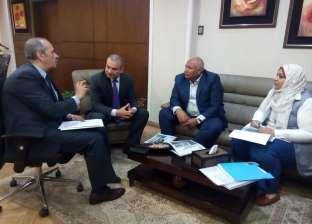 """محافظ الوادي الجديد يلتقي رئيس""""تطوير المناطق العشوائية"""""""
