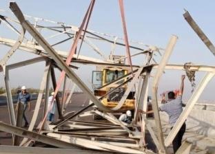 عودة حركة المرور إلى الطريق الساحلي بالإسكندرية بعد إزالة مخلفات كوبري معدني
