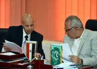 محافظ الشرقية يلتقي بوكيل وزارة الصحة لمناقشة سير العمل