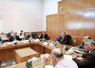 وزير الري يعقد اجتماعا لمناقشة الاستعدادات لموسم أقصى الاحتياجات