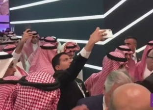 محمد بن سلمان يواجه عاصفة سيلفي في مبادرة مستقبل الاستثمار