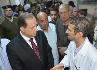 """""""حجازي"""" يمنع وقوف """"التوك توك"""" أمام استقبال مستشفى """"كوم أمبو"""""""