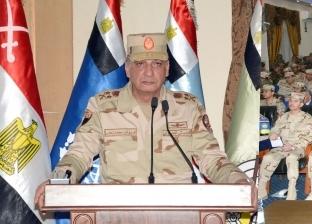 وزير الدفاع يصدق على قبول دفعة جديدة من خريجي الجامعات بالكلية الحربية