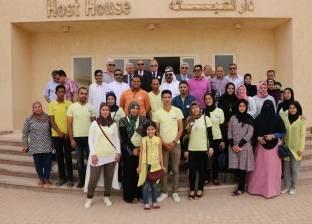 """محافظ جنوب سيناء يصرف 100 كرتونة رمضان لجروب """"الطور بينا أجمل مدينة"""""""