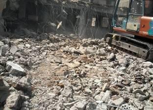 البدء في إزالة مبنى مدرسة الزراعة القديم في طلخا بالدقهلية