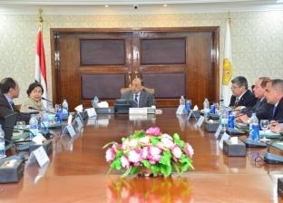 وزير التنمية المحلية يوجه بالاستفادة من تجربة الصين لدفع عجلة الاقتصاد