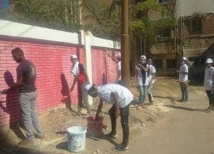 500 شاب وفتاة ينظفون مدينة مرسى مطروح