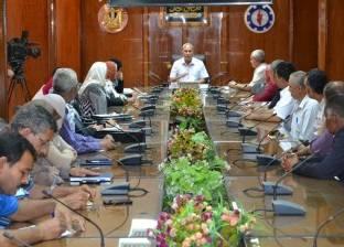 محافظ السويس يلتقي بالقيادات الجديدة بالإدارت المحلية والأحياء