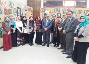 """نائبا رئيس جامعة كفر الشيخ يفتتحا معارض فنية لطلاب """"تربية نوعية"""""""