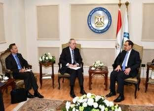 الملا يستقبل القائم بأعمال السفير الأمريكي بالقاهرة لبحث سبل التعاون