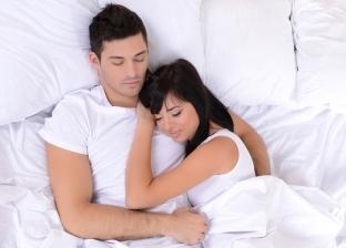"""""""المخدة السحرية"""".. ابتكار جديد يقلل الخلافات الزوجية"""