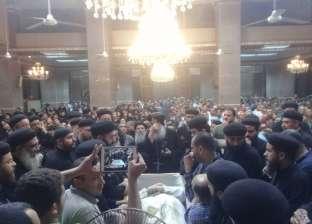 أسقف بني سويف يترأس صلاة الجنازة على جثمان القمص طوبيا كامل