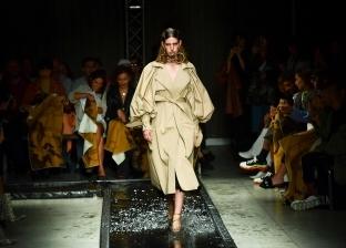 عرض أزياء لمجموعة ملابس ربيع وصيف 2020 في ميلان الإيطالية