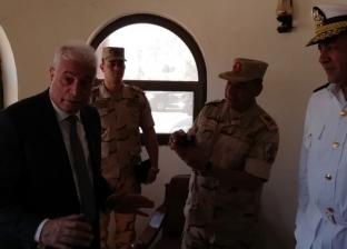 قائد قوات شرق القناة يكرم محافظ جنوب سيناء