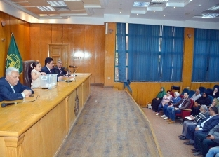 محافظ القليوبية يجري قرعة حج الجمعيات الأهلية لاختيار 16 حاجا