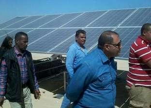 """رئيس """"مرسى علم"""" يتفقد محطة الطاقة الشمسية في المدينة"""
