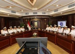 وزير الداخلية يستعرض محاور خطة تأمين احتفالات العيد مع مساعديه