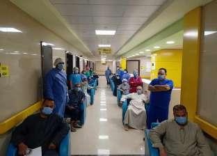 """25 متعافيا من كورونا يغادرون مستشفى """"عزل إسنا"""" في الأقصر"""