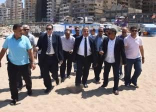 توقيع غرامة على شاطئ المندرة بالإسكندرية لعدم النظافة