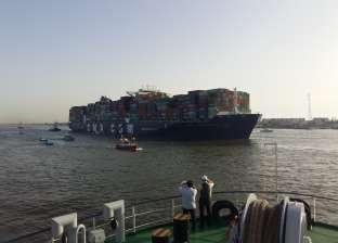 ميناء بور توفيق يستقبل السفينة الفيروز قادمة من جدة