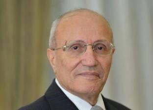 العصار وعبد العزيز يفتتحان معرض الفنون التشكيلية بجامعة القاهرة