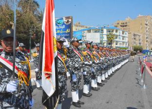 طابور عرض رياضي وعسكري لمديريات الخدمات احتفالا بالعيد القومي للمنيا