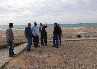 بالصور| رئيس مدينة أبو رديس يوجه بسرعة إنهاء تجميل الشاطئ العام