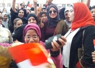 نائب محافظ القليوبية تدلي بصوتها في الاستفتاء على تعديل الدستور ببنها
