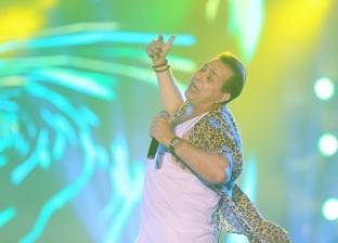 بالصور.. حكيم يشعل أجواء الساحل الشمالي ويرقص مع الجمهور