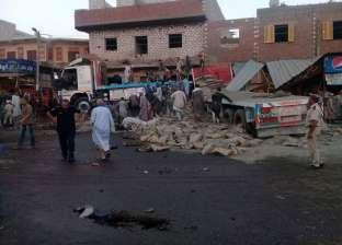مصرع 10 عمال وإصابة 25 آخرين في تصادم سيارة نقل بمنزل بالمنيا