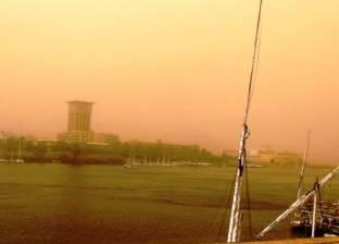 """""""مرور"""" أسوان تغلق الطريق الصحراوي الغربي بسبب عاصفة ترابية"""