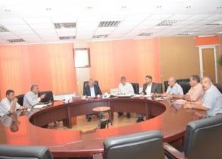 محافظ الشرقية يجتمع بلجنة تطوير مدينة الزقازيق