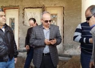 بالصور| مدير أمن بورسعيد يؤمن جمهور المصري في محطة السكة الحديد